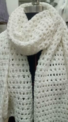 镂空花型围巾