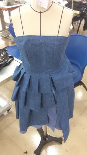 学校设计牛仔裙