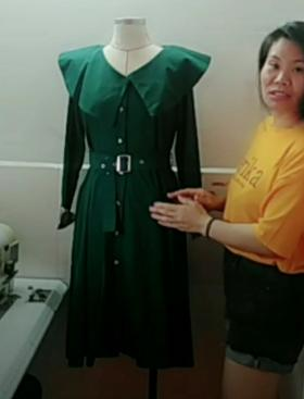 英伦风连衣裙