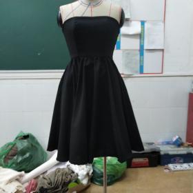 第一次做的礼服